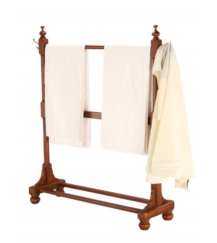Classic Clothes Rack - Teakwood
