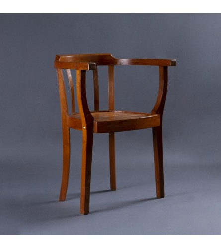 Slotted Form Chair